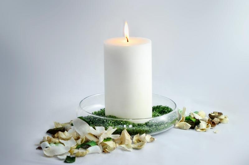 Candele e candelotti bianchi di varie misure